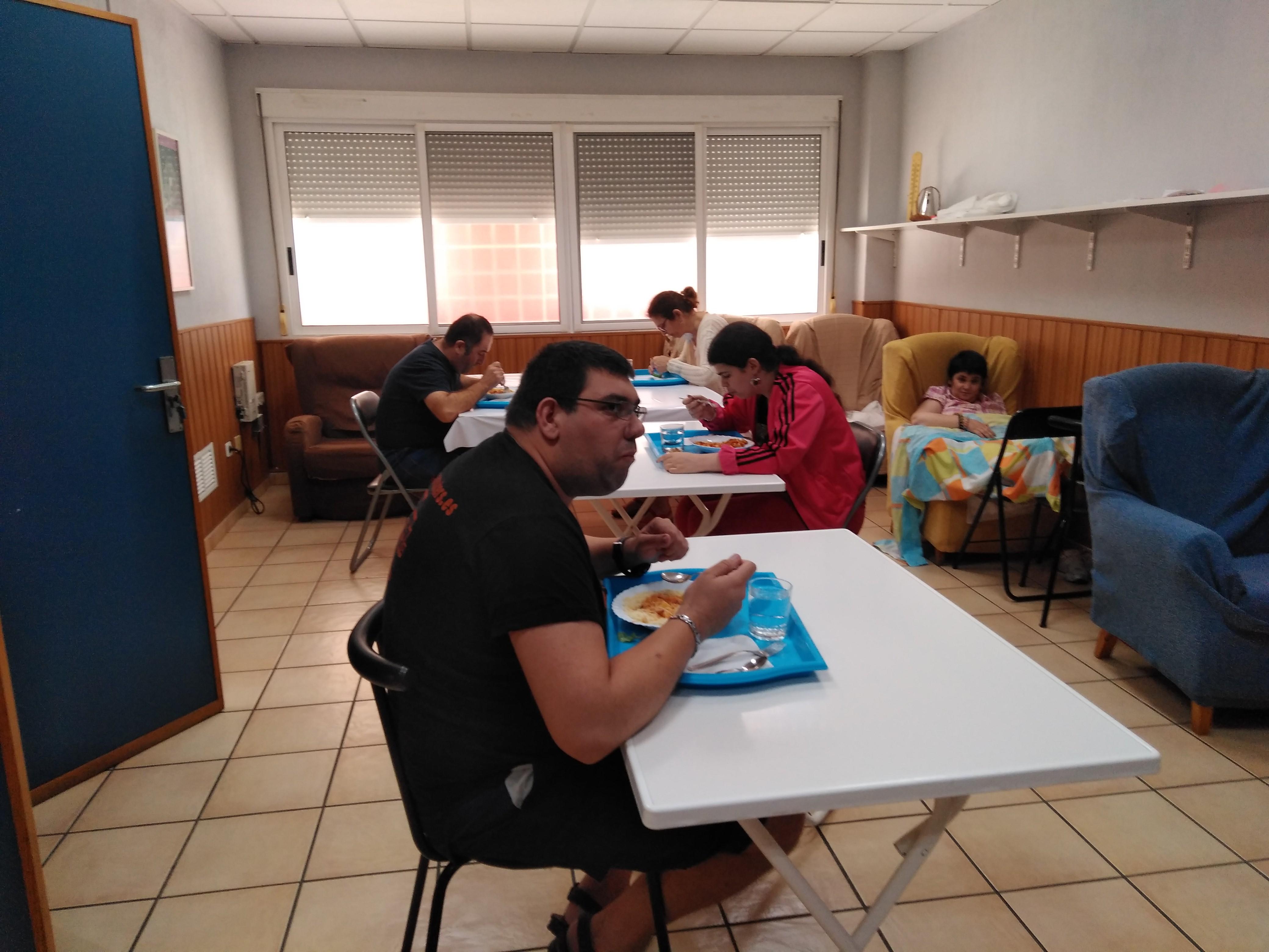Distancia de seguridad y estrictas medidas de higiene en el Centro de Día de Fundación AFIM